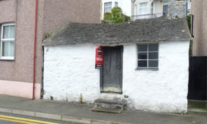 former ferryman's cottage in Menai Bridge, Anglesey