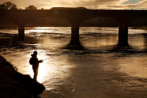 Fishing on the Tay bank