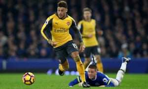 Alex Oxlade-Chamberlain is 'on an upward curve', says Arsène Wenger.