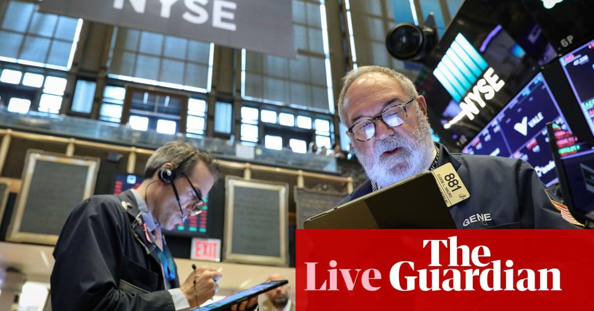 Wall Street joins market selloff as trade war hits US economy - as