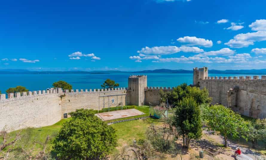 Castiglione walls and lake