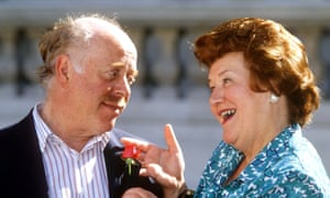 Clive Swift and Patricia Routledge at a photocall for Keeping Up Appearances, 1991.