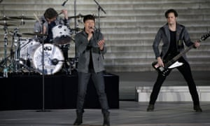 """Brad Arnold of the band 3 Doors Down performs during the """"Make America Great Again! Welcome Celebration"""" at the Lincoln Memorial."""