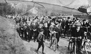Victor Grayson leading the procession on the opening of Scapegoat Hill Socialist Club in 1908.