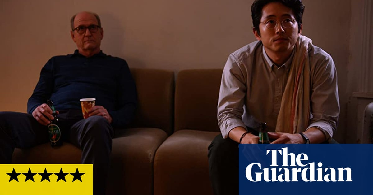 The Humans review – masterly family drama transfers from stage to screen