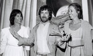 Steven Spielberg with Kathleen Kennedy and Melissa Mathison