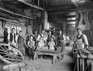 J Plater's Cart, Van & Carriage Works, Haddenham, Buckinghamshire, 1903. Young apprentices, barely 12 years old, can be seen