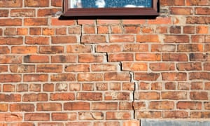 Cracking summer: UK insurers expect rise in subsidence