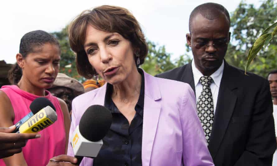 Marisol Touraine talks to the press in Guadeloupe as part of a Zika virus prevention campaign.