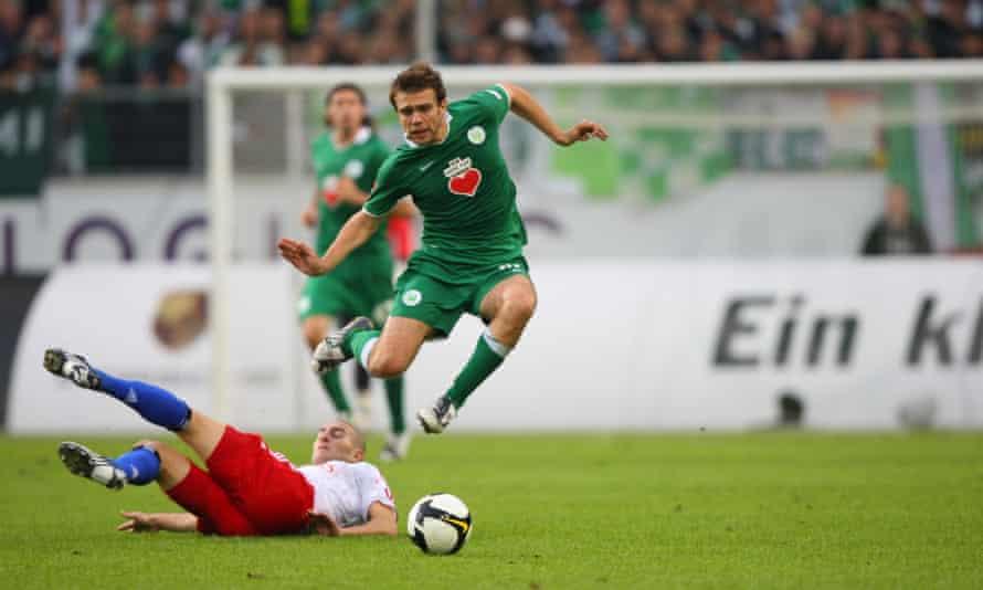 Zvjezdan Misimovic was signed by Wolfsburg to assist the strike partnership of Dzeko and Grafite.