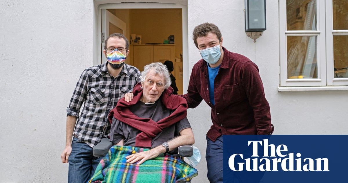 'Freedom': UK Covid patient returns home after 306 days in hospital