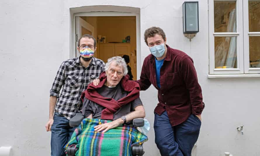 Geoffrey Woolf, with two of his sons, Simon (left) and Nicky (right) after his 306-day hospital stint.
