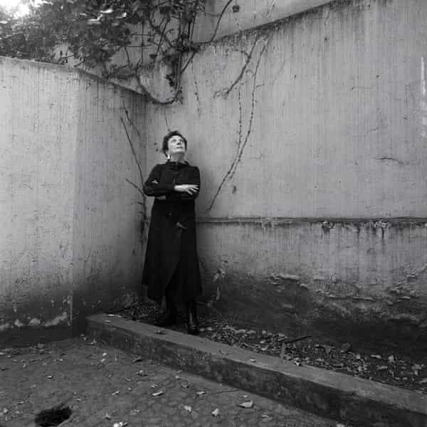 Portrait of Graciela Iturbide photographed by Luis Poirot.