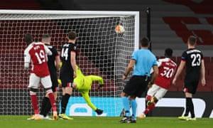 Pepe scores Arsenal's third