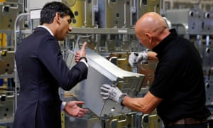 The chancellor, Rishi Sunak, visiting the Worcester Bosch factory in Worcester