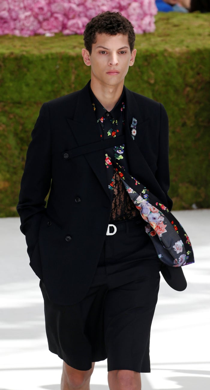 bc455ee9af06 Kim Jones makes Dior debut with Paris menswear show   Fashion   The Guardian