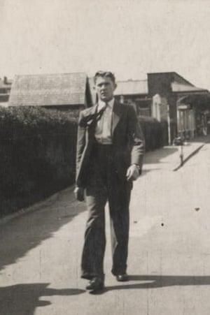 Bob Jay on Cleethorpes promenade in 1939