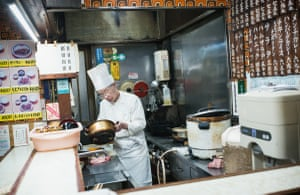 In his small restaurant in Itabashi, this man has been working behind the same counter, six days a week, for the last 46 years