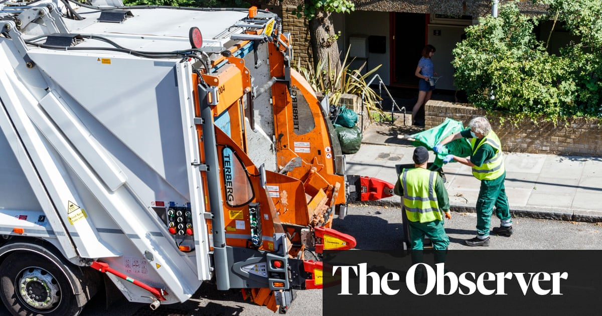 Christmas bin collections in UK at risk as lorry drivers quit