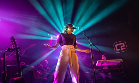 Aldous Harding review – conundrums you can dance to
