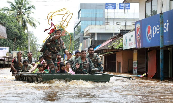 Kerala floods: death toll rises to at least 324 as rescue