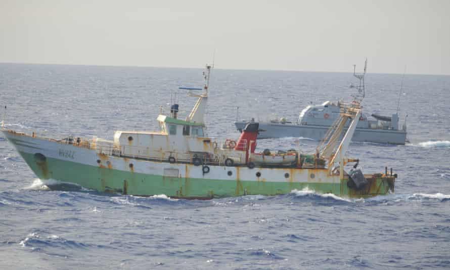 The Libyan patrol boat nicknamed Ubari approaches the Italian trawler.