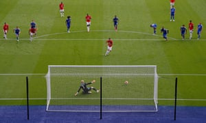 Bruno Fernandes scores a penalty for Manchester United against Leicester City on the final day of last season