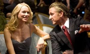 Naomi Watts and Sean Penn in Fair Game.