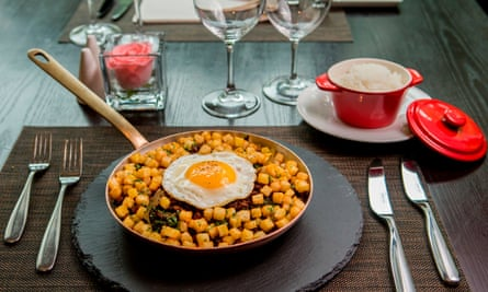 Minchi,  Macau's unofficial national dish - ground pork or beef, onions and diced potatoes stir-fried with molasses and soy sauce, and topped with a fried egg and a generous dash of Worcester sauce
