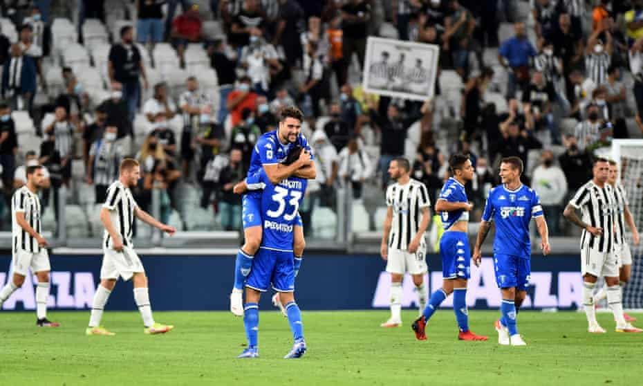 Empoli players celebrate their first-ever Serie A away win over Juventus at full time.