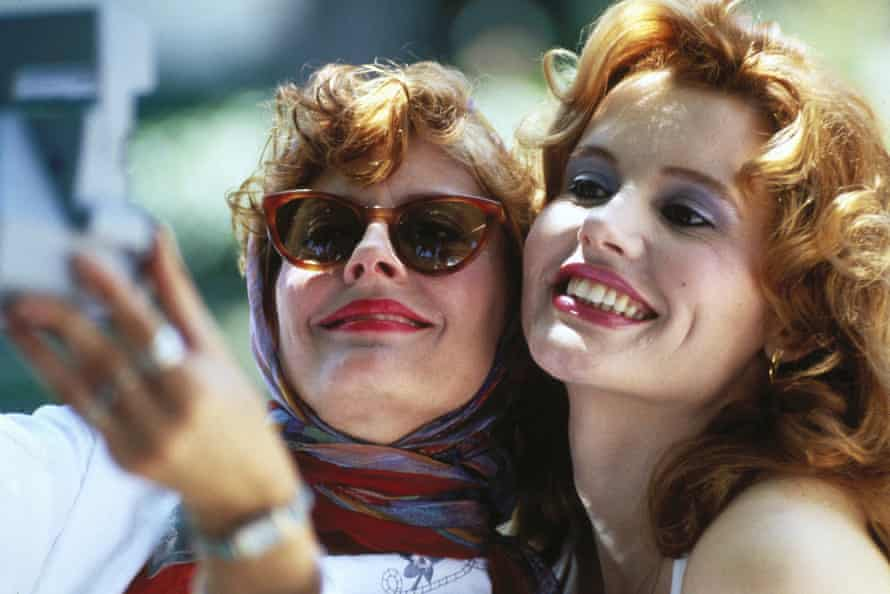 Susan Sarandon (left) and Davis in Thelma & Louise in 1991.