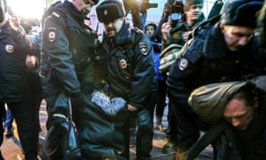 Mortgage holders rally by Russian Central Bank, calling for their loans to be recalculated after rouble crash.