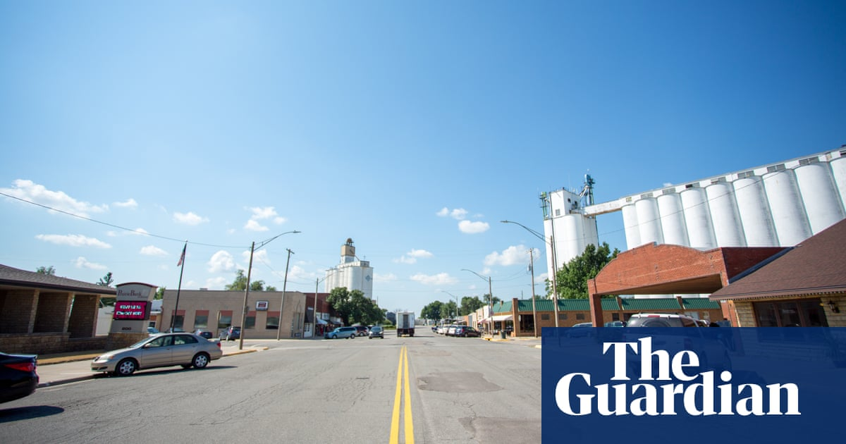 Where even walmart wont go how dollar general took over rural where even walmart wont go how dollar general took over rural america business the guardian solutioingenieria Image collections