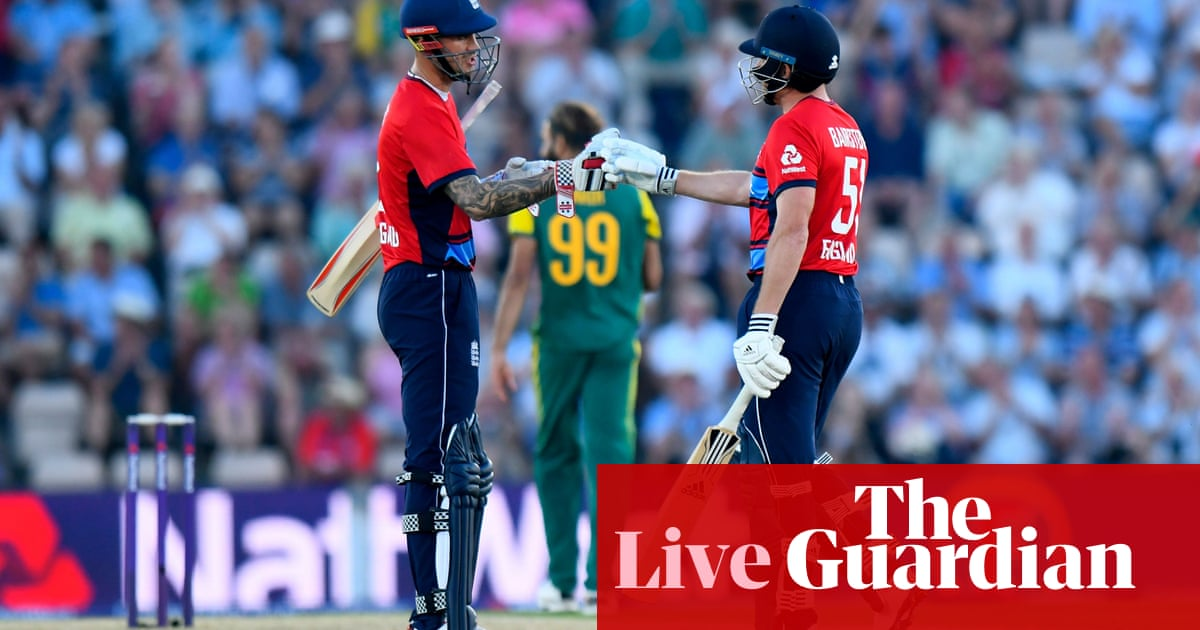 England beat South Africa by nine wickets in first T20 international
