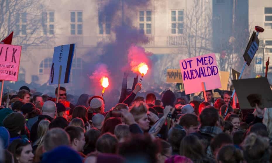 Protests against the Icelandic prime minister