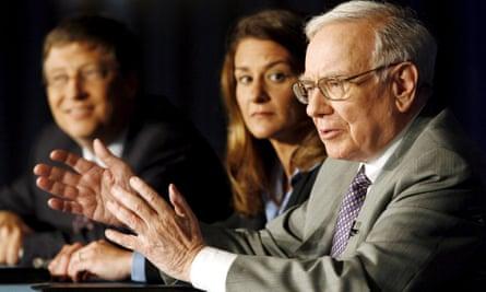 Warren Buffett announces a $30bn donation to the Bill and Melinda Gates Foundation, 2006