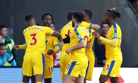 Jeff Schlupp sets Crystal Palace on path to last eight against Doncaster