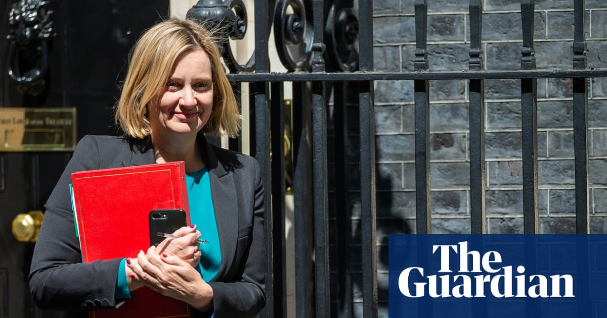 Amber Rudd drops opposition to no-deal Brexit