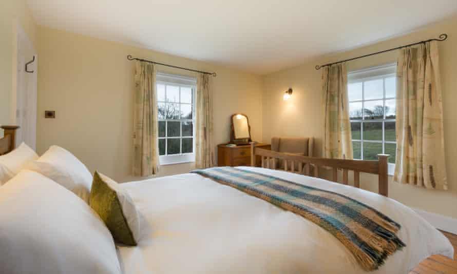 Longstone Cottage bedroom