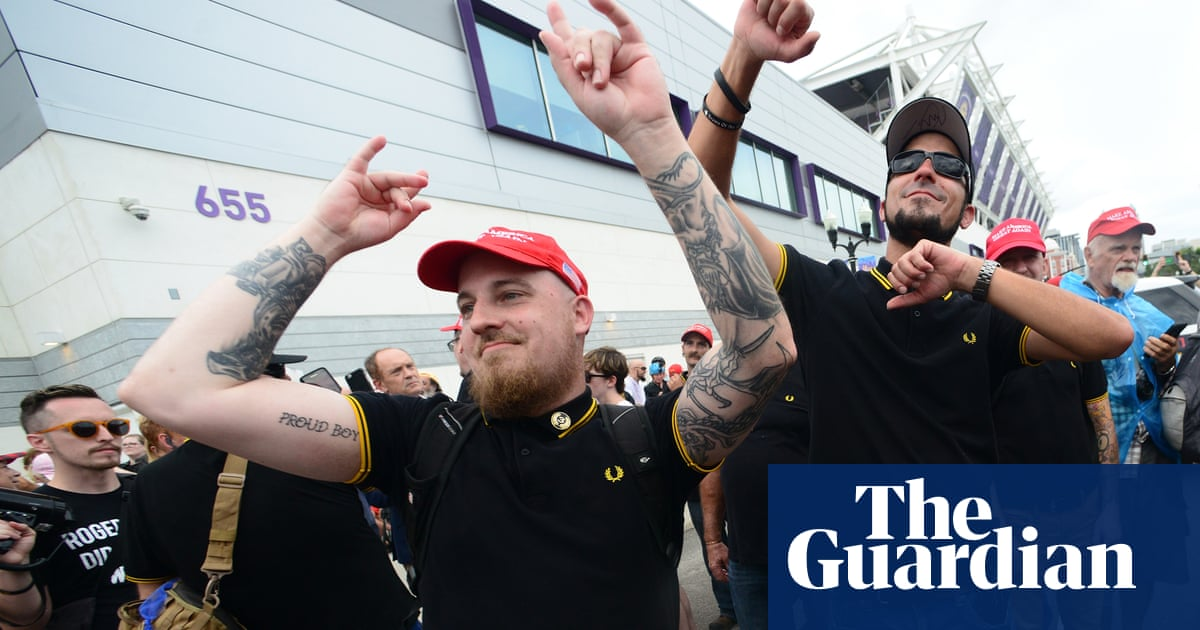 'White chauvinists' group Proud Boys confront anti-Trump protesters in Orlando – video