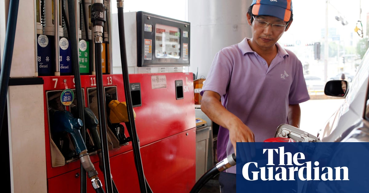 South Korean petrol stations refuse to fill up Japanese cars