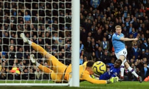 Kevin De Bruyne of Manchester City hits a shot wide .