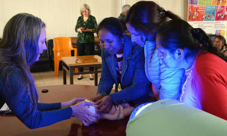Health workers are shown how to use a new piece of equipment that can diagnose and treat jaundice in babies.