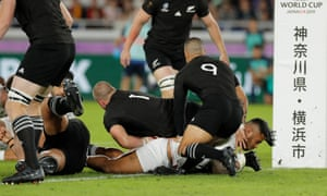 Manu Tuilagi of England scores their first try.