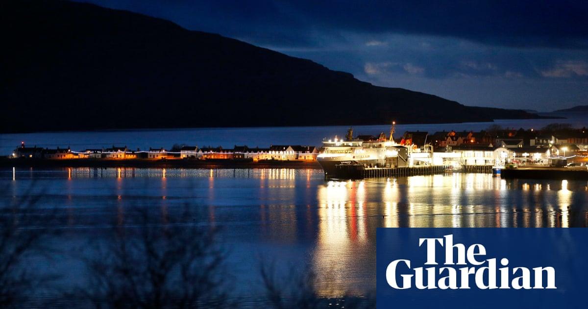 Weatherwatch: stormy future could disrupt Hebridean lifeline
