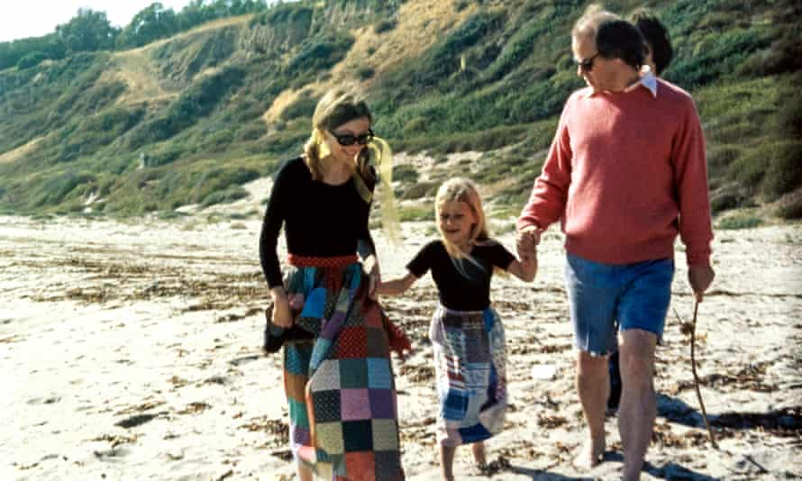 Didion with John Gregory Dunne and their daughter, Quintana, in Malibu, California, 1972.