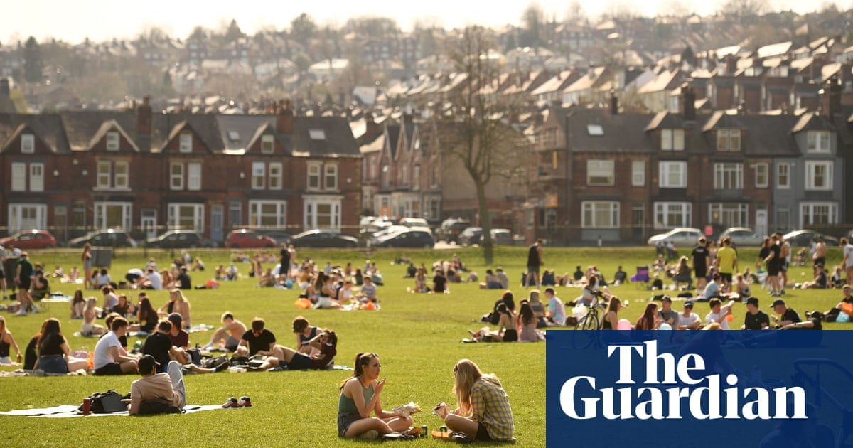 UK weather keeps us guessing, with both sun and rainfall dipping in March