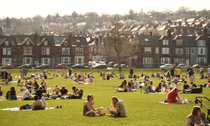 People enjoy the sunshine in Endcliffe Park in Sheffield on 31 March