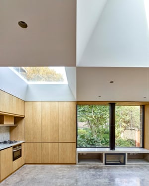 Light and space: oak, glass and concrete surfaces at the Hidden House.