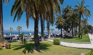 Reggio di Calabria prom with palms